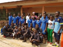 Lycée de Binguela dans la banlieue de Yaoundé