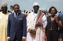 SE Jean-Ernest Ngallè ; Françoise Mbango