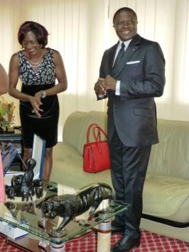 Avec le Ministre Ngallè pendant la remise du diplome